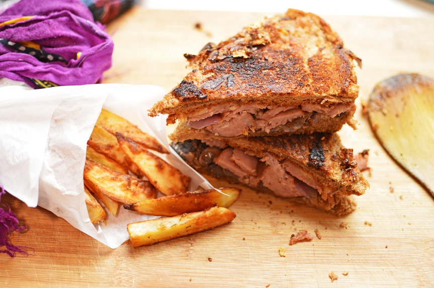 Stoners grub: Sausage, mushroom & cheesesandwich