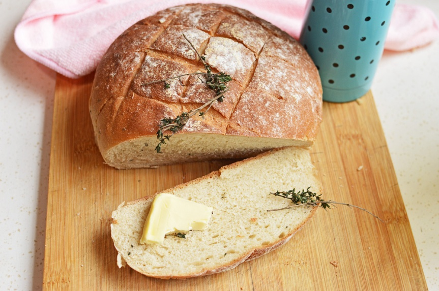 Thyme scented bread