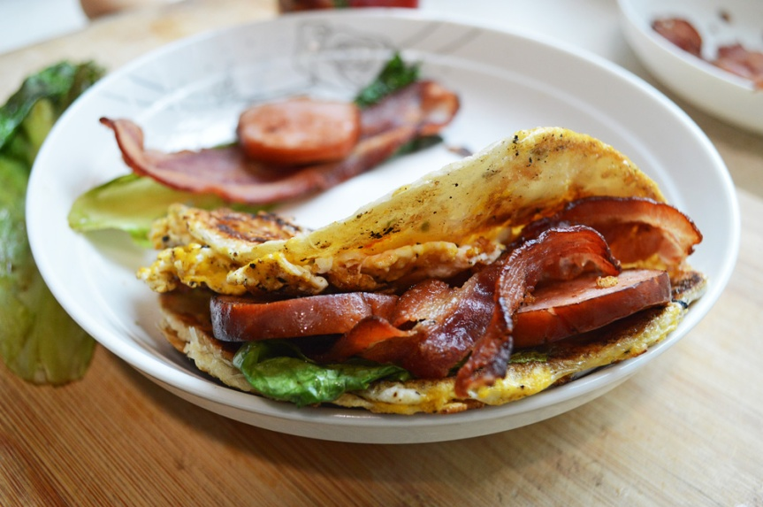 Chinese pancake sandwich (hangover cure & stoner'sgrub)